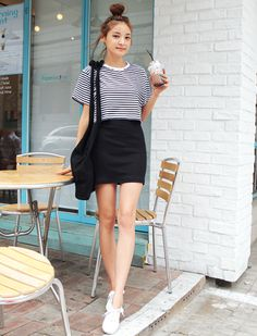 Korean Fashion Trends you can Steal – Designer Fashion Tips Korean Street Fashion, Korea Fashion, Kpop Fashion, Cute Fashion, Asian Fashion, Girl Fashion, Fashion Outfits, Womens Fashion, Fashion Trends