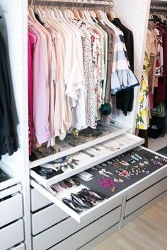 Walk In Closet Ideas - Looking for some fresh ideas to redesign your closet? See our gallery of leading luxury walk in closet layout ideas and pictures. Custom Closet Design, Walk In Closet Design, Bedroom Closet Design, Master Bedroom Closet, Bedroom Wardrobe, Closet Designs, Master Bedrooms, Bedroom Storage, Custom Closets