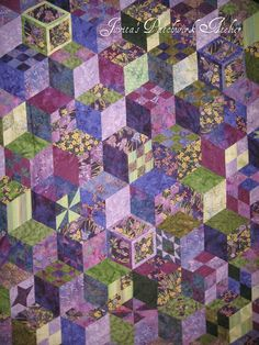 effect patchwork quilt. Tumbling Blocks Quilt, Quilt Blocks, Quilt Block Patterns, Pattern Blocks, Hexagon Quilting, Quilting Projects, Quilting Designs, Quilting 101, 3d Quilts
