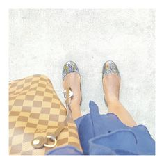 Stepping into the week like #bam What's on your #todo list? Live beyond your fears. #wordstoliveby eventsojudith.blogspot.com #lv, #ootd #blue #bloggerchic #purse #purseaddict #totes #damier, #flatshoes #hellomonday