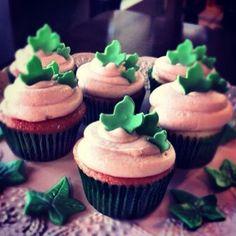 Ivy leaf cupcakes
