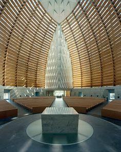 catedral moderna-interior-Califórnia