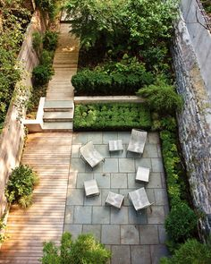 This #garden is designed so well-- putting different sections in and mixing materials adds to the space a lot.   #outdoorfurniture #gardendesign