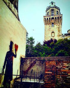 #laspecola #padova #igerspadova #osservatorio #Galileo #streetart #murales #graffito #hearth #kennyrandom #specola #astri #cielo #stelle #museum #arte #cultura #unipd #l4l #f4f  #like #elissi #meridiani #torre #love #life #veneto #ig_veneto #ig_padova #picoftheday by lady_hawke.2317