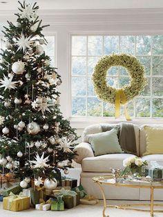 Karácsonyfa díszítés fehérrel