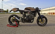 Triumph T301 Cafe Racer | Motos & histoires | custom-bike.com