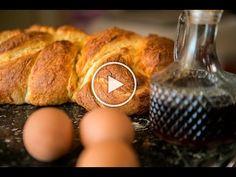 Το Τσουρέκι της Γιαγιάς με καινούργια μυστικά - Easter bread - Live kitchen - YouTube Greek Beauty, Easter Cookies, Pretzel Bites, Muffin, Breakfast, Recipes, Breads, Youtube, Food