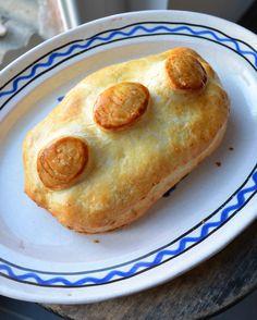 CC-cuisine: Pâté de Pâques de Touraine - French Easter hard boiled egg and meat pie
