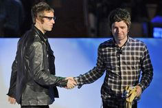 Sibling rivalry: Liam and Noel Gallagher (Picture: Rex Features) Banda Oasis, Liam Gallagher Noel Gallagher, Liam And Noel, Oasis Band, Wembley Arena, Acceptance Speech, Sibling Rivalry, British People, Rod Stewart