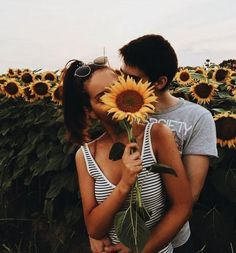 Love, couple, and sunflower bild relationship pictures, couple goals relati Relationship Goals Pictures, Cute Relationships, Couple Relationship, Perfect Relationship, Distance Relationships, Couple Fotos, Couple Goals Cuddling, Fotos Goals, Cute Couple Pictures