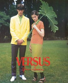 Versus by Gianni Versace Spring/Summer 1996 Models: Ivan de Pineda and Lonneke Engel Photographer: Bruce Weber Fashion History, 90s Fashion, Vintage Fashion, Female Fashion, Gianni Versace, Estilo Nike, Bruce Weber, Versus Versace, Fashion Advertising