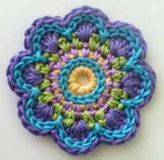 "hilariafina-crochet: "" Flower Inspiration "" Very nice flower design. Mingky Tinky Tiger + the Biddle Diddle Dee — hilariafina-crochet: Flower Inspiration Very. Crochet pattern triple flower power ~ ATERGcrochet on Etsy Love this color combo! Crochet Motifs, Crochet Flower Patterns, Crochet Squares, Crochet Flowers, Crochet Stitches, Knitting Patterns, Granny Squares, Love Crochet, Beautiful Crochet"