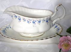 Memory Lane Gravy boat with Underplate Vintage by GingerNIrie