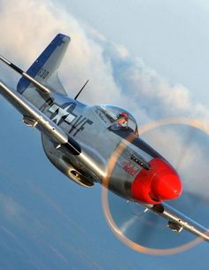 Dazzling Vintage Aircraft: The Major Attractions Of Air Festivals Ww2 Aircraft, Fighter Aircraft, Military Aircraft, Fighter Jets, Aircraft Carrier, Old Planes, P51 Mustang, Aviation Art, Nasa History