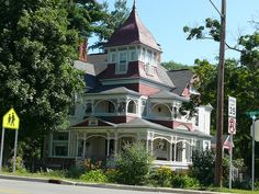 I'm in love with Victorian architecture — especially Victorian style homes. There's something both classic and whimsical about them that. Victorian Style Homes, Victorian Decor, Victorian Houses, Huge Houses, Old Houses, Dream Houses, Victorian Architecture, Historical Architecture, I Love House
