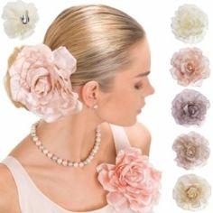 Spilla o becco per capelli con fiore in tessuto colorato per acconciatura sposa, cresima e comunione