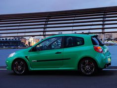 Renault Clio RS (2010) - Side View