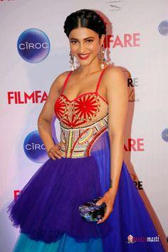 Shruti Hassan latest stills at Ciroc Filmfare Glamour and Style Awards ...