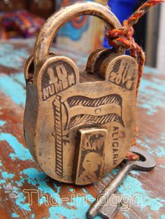 Padlock Old Brass Antique Safe, Antique Brass, Padlocks, Keys, Im Not Perfect, Forget, Objects, Personalized Items, Nice