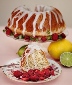 Citron- och vallmofrökaka – recept på klassisk amerikansk mjuk kaka.