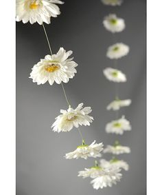 Gerbera Daisy Garland. So cute and perfect for Spring :-)