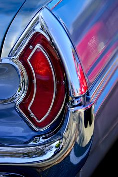 1962 Pontiac Catalina Convertible Taillight by Jill Reger – Classic Cars Retro Cars, Vintage Cars, Pontiac Catalina, Pontiac Cars, Hood Ornaments, Automotive Art, Us Cars, Sale Poster, Car Detailing