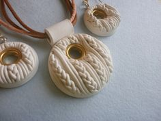 POLYMER CLAY  http://pinterest.com/jenhoofsmith/everything-clay-and-other-jewelry-ideas/