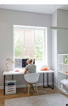Scandinavian home office design with look simplicity elegance 14 – Ximplah Update Mesa Home Office, Home Office Space, Home Office Desks, Bedroom Office, Home Office Furniture Ideas, Hone Office Ideas, Home Offices, Office Spaces, Small Office