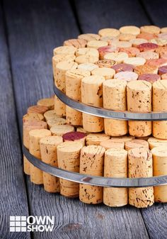 Wine corks are not only evidence of a wine well spent, but can actually be a very elegant way to decorate . Author of DIY Wine Corks, Melissa Averinos, shares her tips for clever cork design. Recycled Crafts, Diy Crafts, Cheap Wine Glasses, Cork Wood, Wine Cork Crafts, Perfect Glass, World Crafts, Wine Decor, Wine Parties
