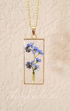 Resin Jewlery, Resin Necklace, Blue Necklace, Flower Necklace, Flower Jewelry, Cute Jewelry, Jewelry Crafts, Jewelry Art, Handmade Jewelry