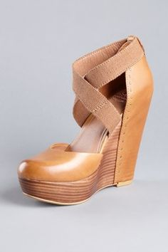 Adorable brown wedges