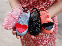 Mini Melissa - Vivienne Westwood & Melissa Plastic Dreams: Vegan shoes for little girls made of PVC.