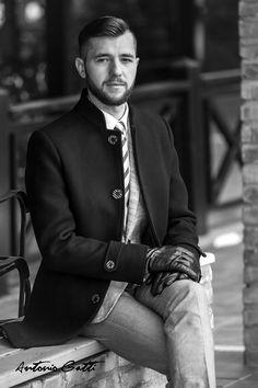 Palton elegant Antonio Gatti #paltonbarbati #modabarbati #antoniogatti #paltonslim #paltonnegru Anton, Black And White, Style, Fashion, Clothing, Swag, Moda, Fashion Styles, Black White
