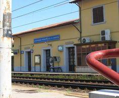A Montopoli l'opposizione solleva il caso: «Il Comune ha proposto di riqualificare l'area nei pressi della stazione di San Romano, ma non esiste un contratto»