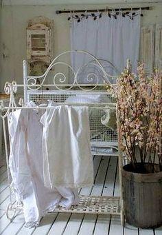 EN MI ESPACIO VITAL: Muebles Recuperados y Decoración Vintage: Casas de verano { Summertime houses }