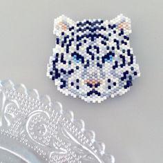 off loom beading stitches Peyote Stitch Patterns, Seed Bead Patterns, Jewelry Patterns, Beading Patterns, Seed Bead Jewelry, Seed Bead Earrings, Beaded Jewelry, Art Perle, Motifs Perler
