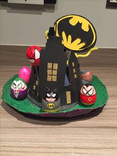 Batman vs joker Easter bonnet Boys Easter bonnet Boys Easter Hat, Easter Bonnets For Boys, Paper Plate Hats, Paper Plates, School Projects, Projects To Try, Easter Parade, Batman Vs, Turtles