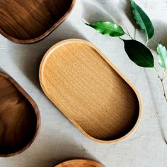 Blackmoss. Посуда в минималистичном стиле из ценных пород дерева. Wood Tray, Wood Boxes, Palm Leaf Plates, Coffee Tray, Wooden Plates, Kitchen Store, Montessori Toys, Wooden Kitchen, Plates And Bowls
