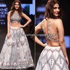 What a cool desgin and amazing look easy breezy and comfg look . Saree Blouse Neck Designs, Choli Designs, Indian Dresses, Indian Outfits, Indian Clothes, Stylish Blouse Design, Indian Designer Outfits, Bollywood Style, Bollywood Fashion