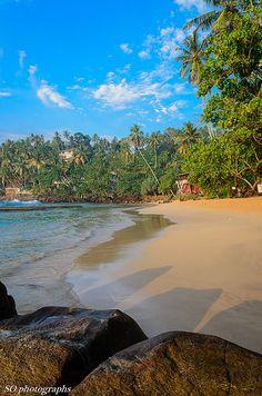morning on the beach, Mirissa, Sri Lanka (www.secretlanka.com)