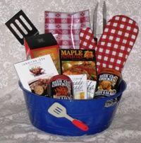 For the cook Bbq Gifts, Grilling Gifts, Picnic Gift Basket, Man Basket, Basket Ideas, Silent Auction Baskets, Grill Basket, Diaper Parties, Gift Baskets For Men