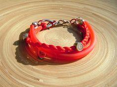 Armband met rood bunakoord, en gevlochten zijde touw