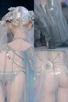 Fashion Art, Runway Fashion, High Fashion, Fashion Design, Angel Dress, Fairy Dress, Sexy Outfits, Pretty Outfits, Beautiful Evening Gowns