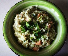 Di ritorno dalle vacanze una ricetta buonissima svuota frigo: il risotto al salmone con pesto e limone