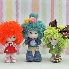 dolls ༺✿ƬⱤღ http://www.pinterest.com/teretegui/✿༻