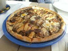 Pizza de Foie e Funghi. Suavidad y buen gusto en www.tramontipepcuriel.com #aRoses #incostabrava #visitroses