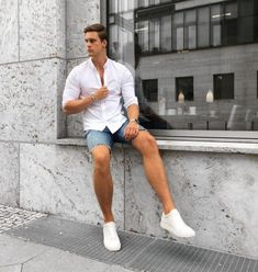 Best White Shirt Outfit Ideas For Men. White button down shirt, denim shorts, white sneaker Click image to view more. Best White Sneakers, White Sneakers Outfit, White Shirt Outfits, Short Outfits, Men's Sneakers, Best White Shirt, Stylish Men, Men Casual, Sneaker Outfits