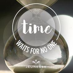 Время никого не ждёт.Время это такой ресурс,который тратится без остановки и на сколько эффективно мы будем его использовать,настолько продуктивными будут наши действия,мысли,желания,мечты!