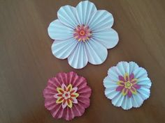Fiori di carta scrapbooking tutorial - Paper flowers ornaments - YouTube