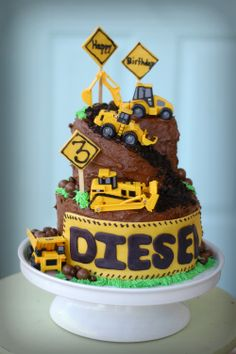 Cakespiration: 12 construction cakes they'll really dig 3rd Birthday Cakes, 2nd Birthday Parties, Birthday Fun, Digger Birthday Cake, Birthday Ideas, Construction Birthday Parties, Construction Cakes, Excavator Cake, Digger Cake